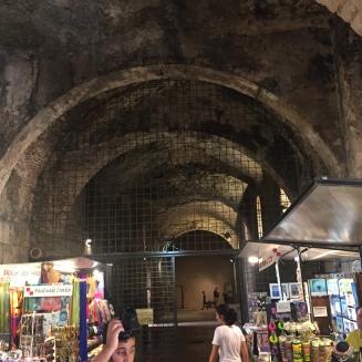 inside diocletian palace split 13